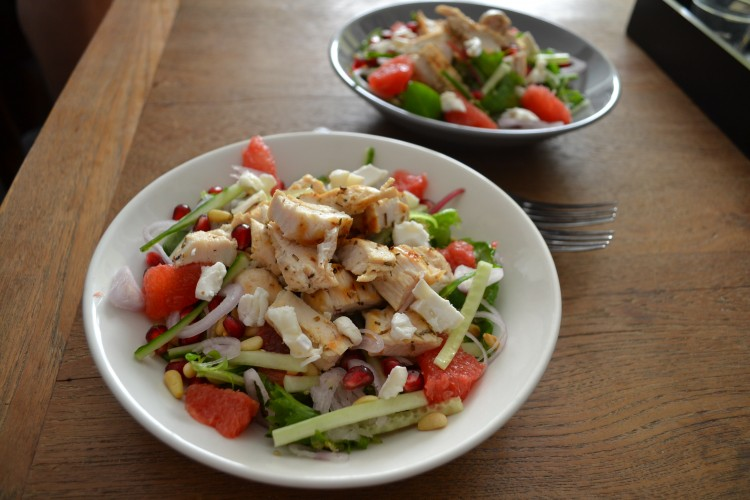 Zomerse salade met granaatappel